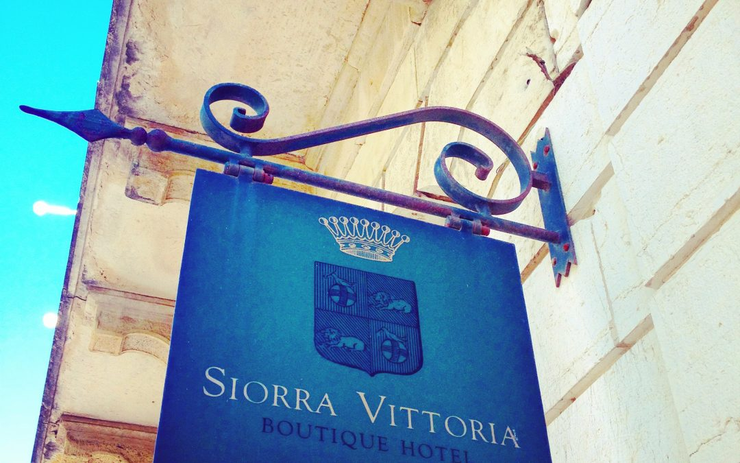 Siorra Vittoria, Corfu Town